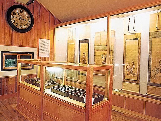 小さな蔵の賢島美術館