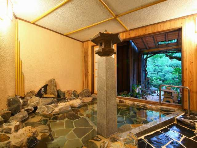鶴の恩返し よみがえりの宿 鶴霊泉(日帰り入浴)