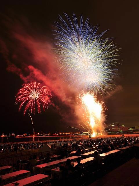 Ashiya Dancing Fireworks Show