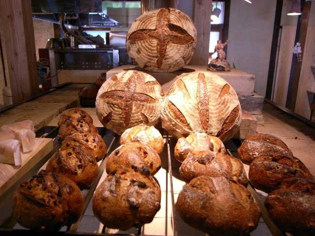 Studio Oval、天然酵母パン tombolo