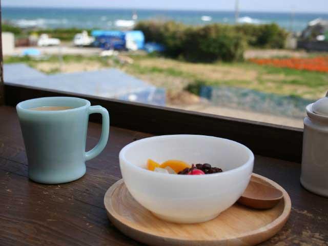 海の見えるカフェストロベリーポット