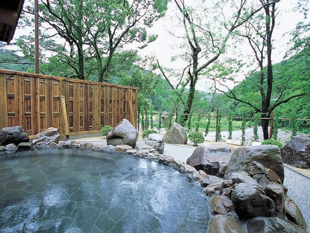 丹生ヤマセミ温泉館