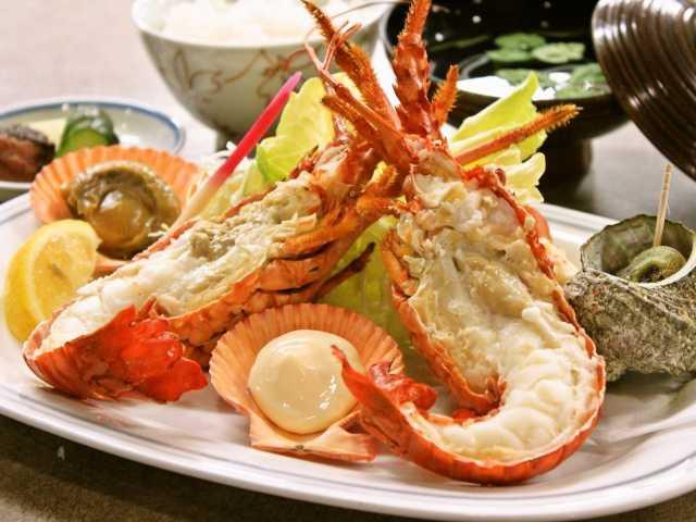 伊勢海老・活魚料理レストラン 珊瑚礁