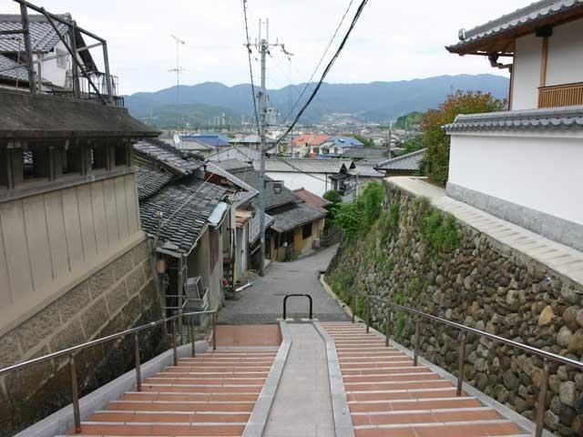 山中田坂(寺内町の口)