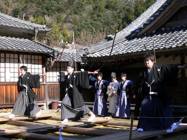 八日薬師(弓矢祭)