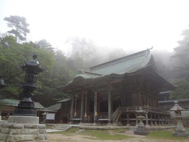 金華山黄金山神社