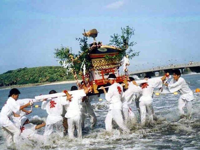 青島神社 海を渡る祭礼