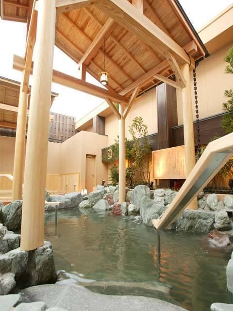 天然温泉極楽湯 宮崎店