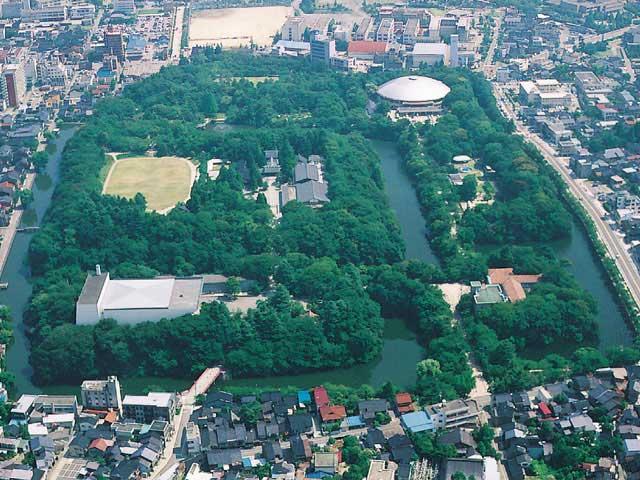 高岡古城公園(高岡城跡)