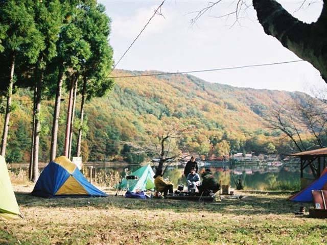四尾連湖水明荘キャンプ場