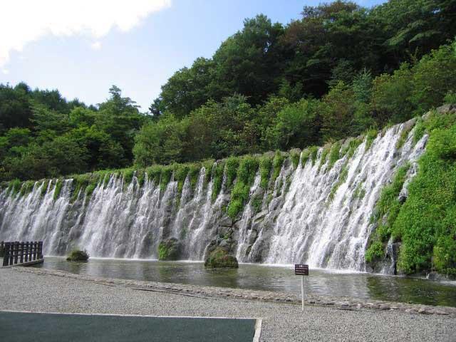 山中湖 花の都公園「清流の里」