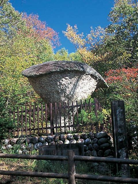 恵那峡 傘岩