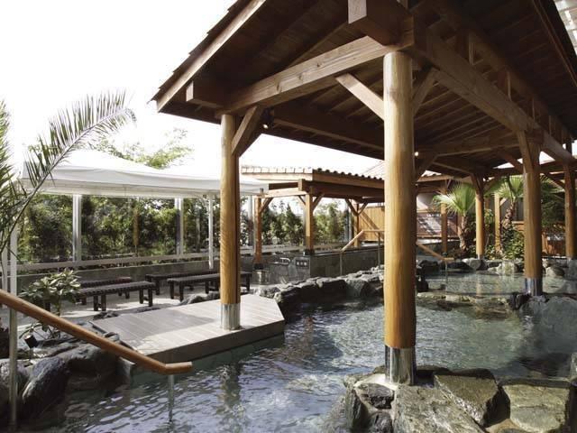 Spa Resort 湯の華 アイランド広場