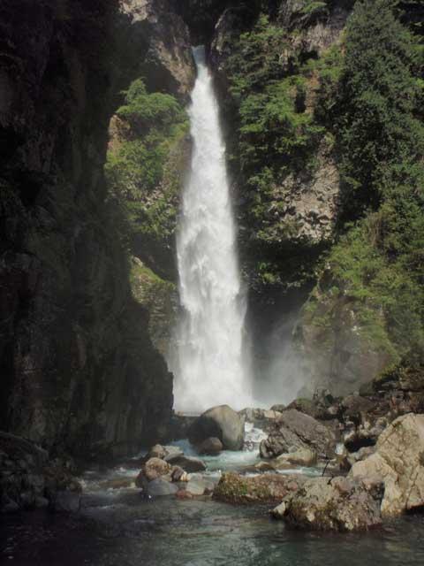 小坂の滝めぐり