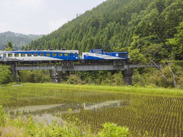 トロッコ列車「奥出雲おろち号」