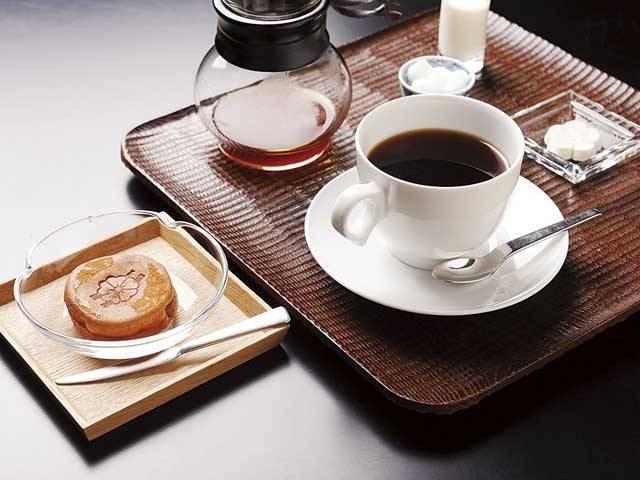 カフェ&ダイニング yoimosezu