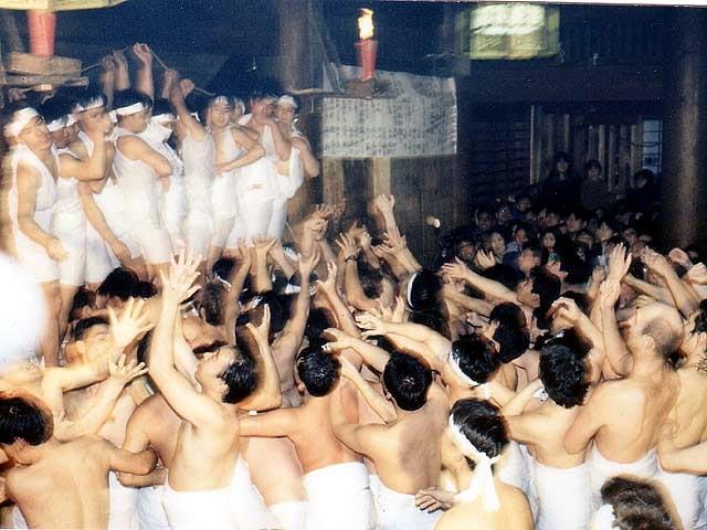 越後浦佐毘沙門堂 裸押合い大祭