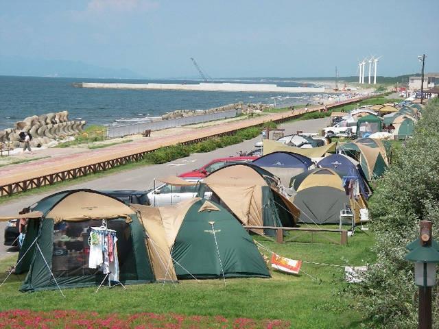 県立紫雲寺記念公園オートキャンプ場