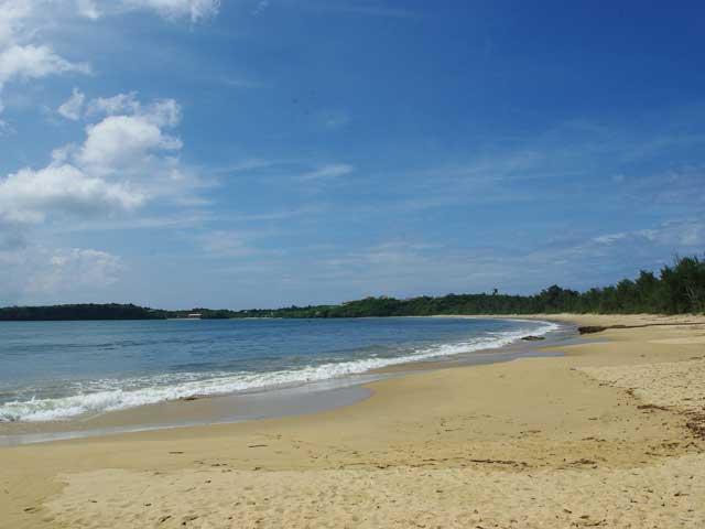 月ヶ浜(トゥドゥマリの浜)