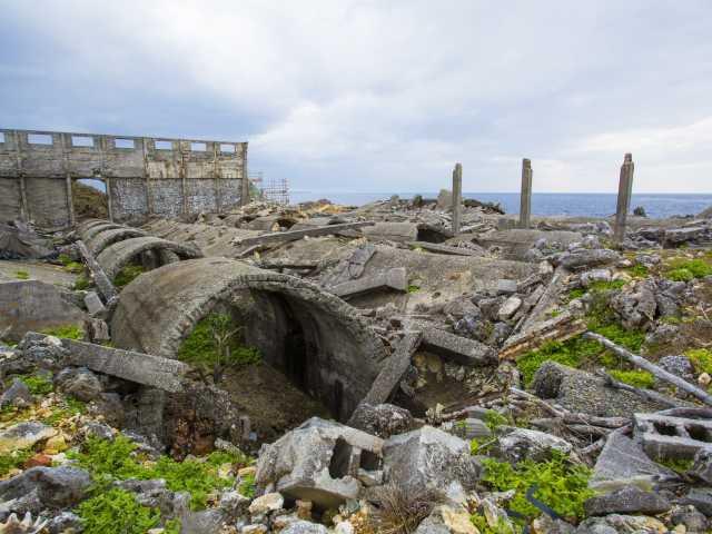 燐鉱石貯蔵庫跡