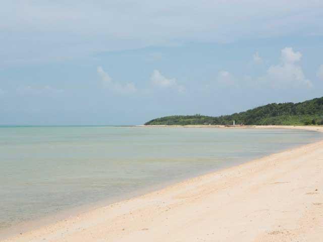 トゥマール浜