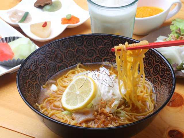 琉球拉麺・スパイスカレー teianda