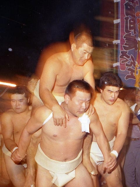 唐戸山神事相撲