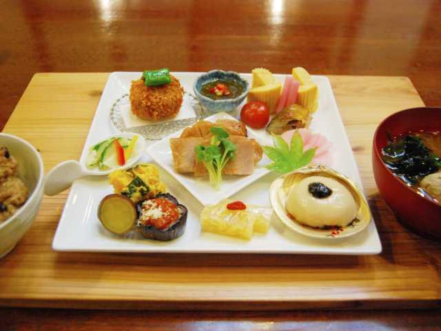 ヤマト醤油味噌 商品ルーム ひしほ蔵