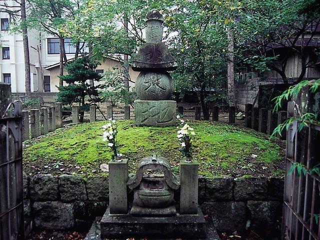 蒲生氏郷の墓