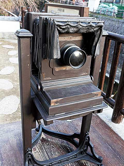 龍馬の肘置きと彦馬のカメラ