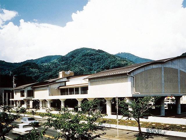 サンリツ服部美術館