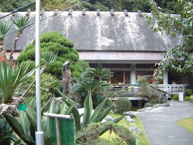 龍河洞博物館