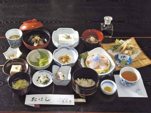 宿坊・精進料理の寺 三徳山 輪光院