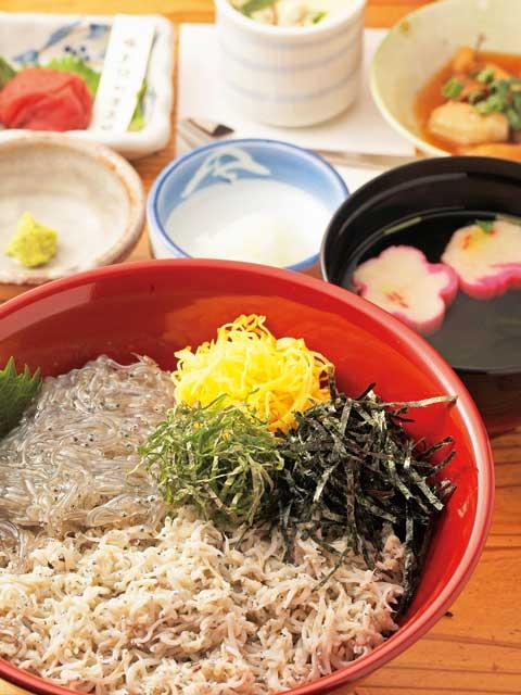 鎌倉のしらす丼