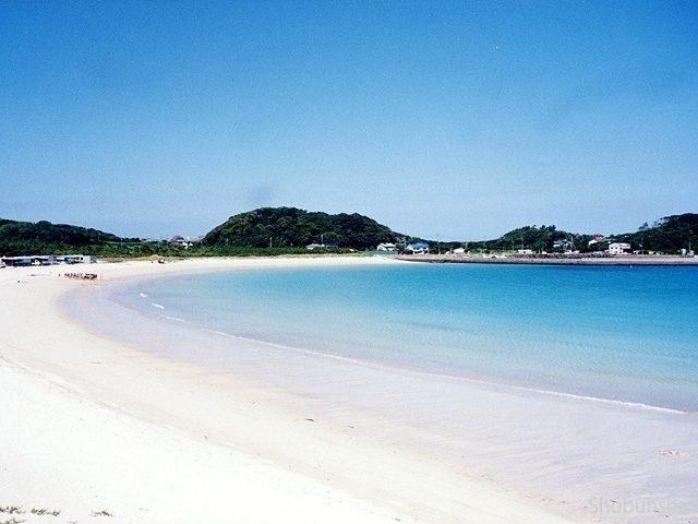 バナナボートも楽しい 筒城浜(長崎県)