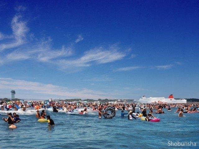 透明な水と白い砂 大洗サンビーチ海水浴場(茨城県)