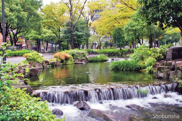 ②緑あふれる公園でひと休み