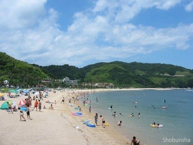 魚が見える透明度 片添ヶ浜海水浴場(山口県)